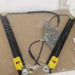 アウディ A6(4B) フロントドアレギュレーター 右   4B0837462C