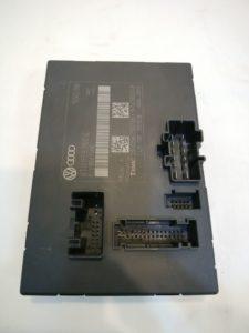 アウディ パーツ シートコントロールユニット 8T0959760E 商品画像