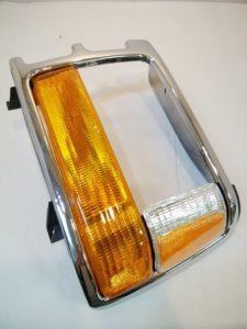 CHRYSLER DOD ヘッドライトトリム(w/フラッシャー)メッキLH  CH2512153 333-1204L-US1 商品画像