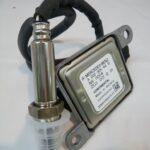 ベンツ C200(W205) NOX センサー 0009054410