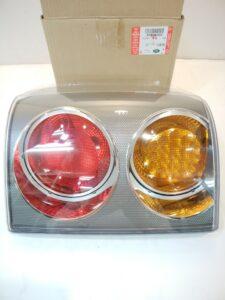 ランドローバーパーツ 通販 テールランプ(オレンジ,赤) XFB000258お取り寄せ商品画像