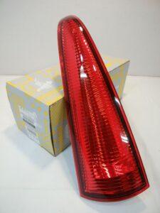 ルノー カングーⅡパーツ 通販 テールランプ UP LH 8200419966 お取り寄せ商品画像