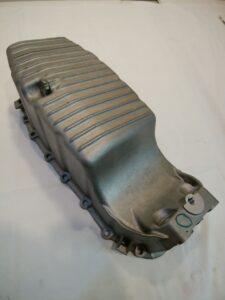 アルファロメオ ミト 955 パーツ 通販 エンジンオイルパン (ドレンコック&パッキン付き) 55209019(68098293AA) お取り寄せ商品画像