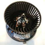 フォルクスワーゲン パサート(3C) エアコンブロアモーター 右ハンドル 1K2820015H