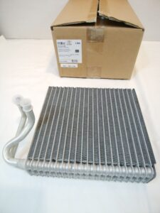 BMWミニ R50 パーツ 通販 購入 エアコンエバポレーター 64111499134 お取り寄せ商品画像